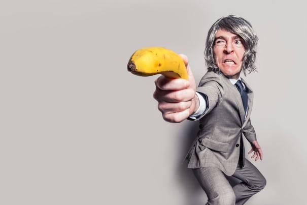 Uomo con la banana